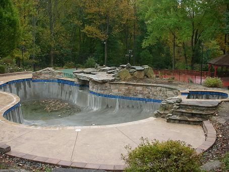 Building of Valley Forge Hilton Pool